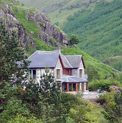 Glenfinnan Lodge in its elevated mountain setting